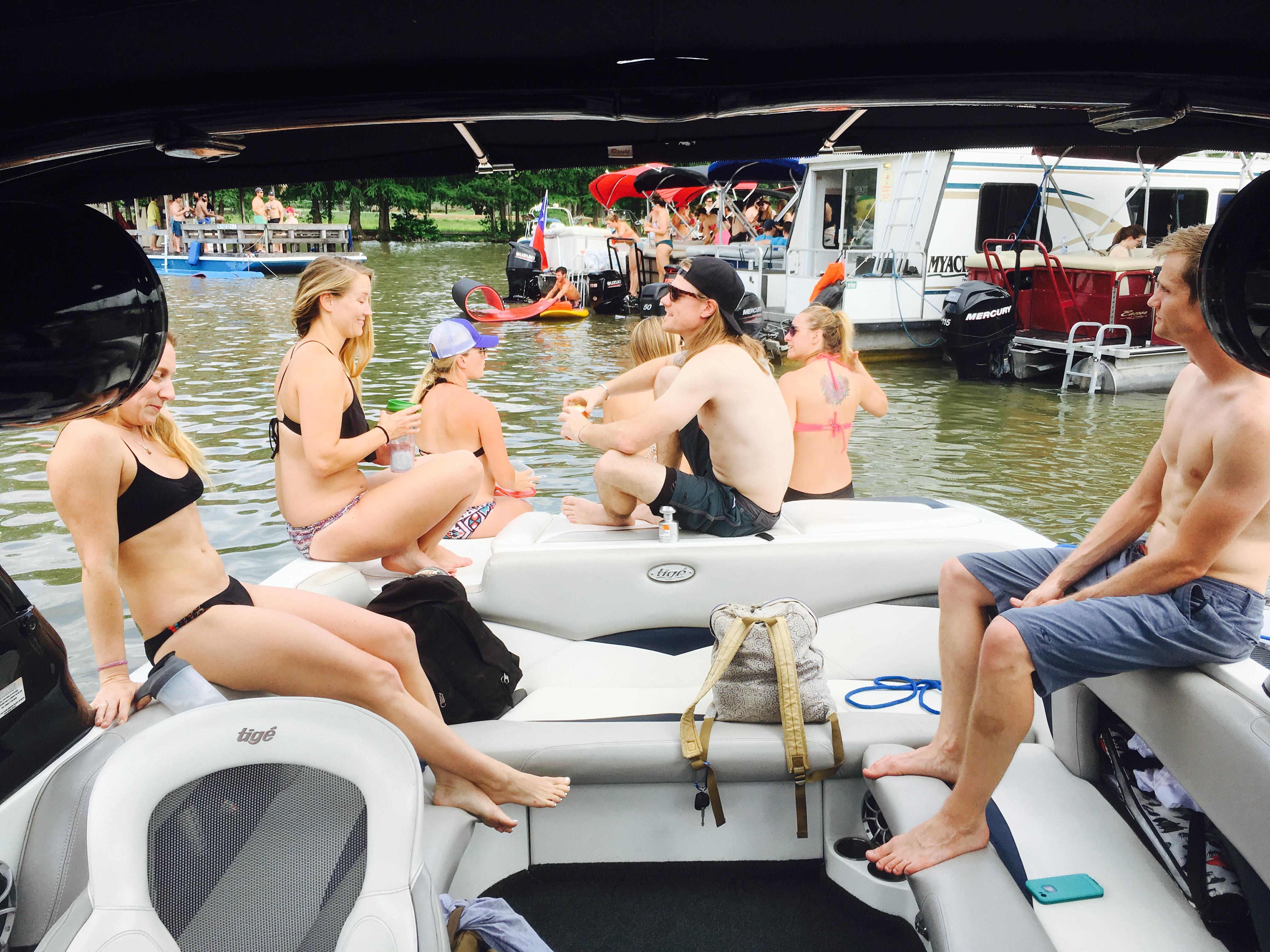 Lake Austin Boat Rentals